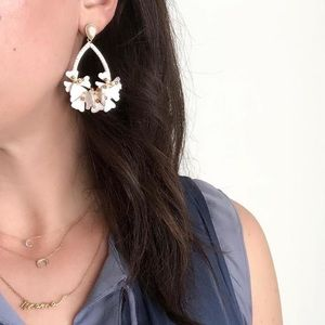 Stella & Dot Cynthia white floral earrings